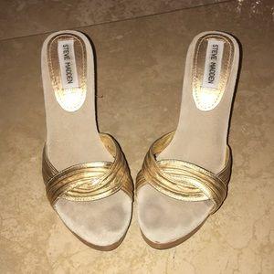 💕Cute gold wooden heels 💕